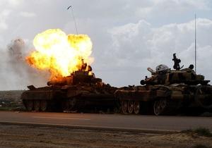 Самолеты НАТО уничтожили шесть танков сил Каддафи