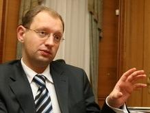 Яценюк готов сесть за круглый стол и подписать соглашение