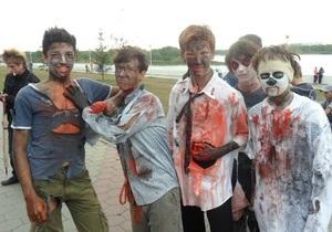 В российском Омске состоялся несанкционированный парад зомби