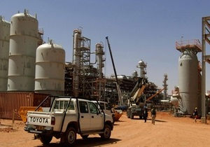 Новости Алжира - заложники в Алжире - нефтегазовый комплекс в Ин-Аменасе - освобождение заложников в Алжире - В ходе штурма газового завода в Алжире погибли семеро заложников и 11 боевиков - штурм Алжире
