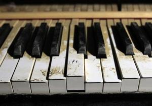 В центре Киева установят бутафорский рояль, который будет играть Шопена