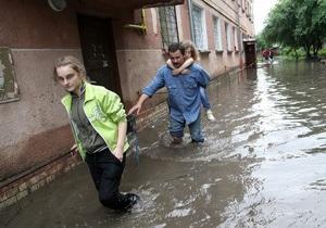 Над Львовом снова пронесся ураган: часть города обесточена