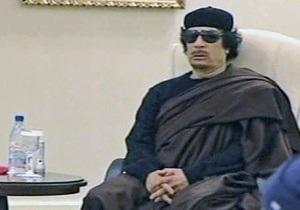 Каддафи впервые после гибели сына и внуков появился в телеэфире