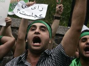 Полторы сотни демонстрантов попытались взять штурмом иранское посольство в Стокгольме