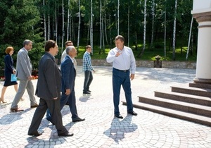 Свобода: Землю в Межигорье отдали Януковичу за бесценок
