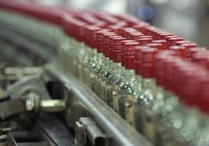 В Киеве за 2012 год было изъято почти 100 тыс литров нелегального алкоголя стоимостью 6,5 млн грн