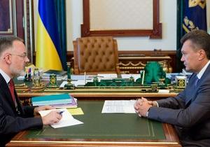Янукович требует от Табачника снять напряжение в обществе