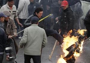 Мародеры в Бишкеке разграбили Музей изобразительных искусств