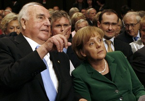 Гельмут Коль раскритиковал Меркель
