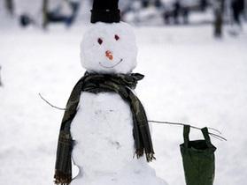 В Ивано-Франковской области слепили самого большого снеговика в Украине