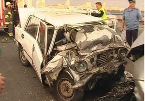 ДТП на Московском мосту в Киеве произошло из-за водителя, двигавшегося по встречной