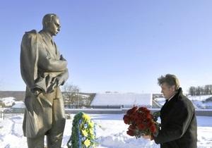 Горсоветы Севастополя и Ялты осудили героизацию воинов ОУН-УПА и их лидеров