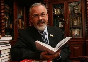 Табачник: В 2013 году все абитуриенты будут подавать документы в электронном виде
