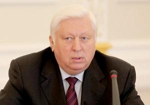 Оппозиция хочет добиться запрета на въезд в ЕС для Пшонки и Кузьмина