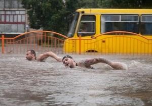 Фотогалерея: Потоп в Луцке. Последствия сильнейшего ливня, парализовавшего город