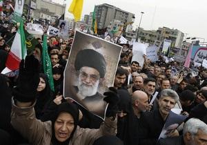 Сотни тысяч иранцев вышли на улицы, чтобы выразить поддержку правительству