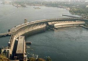 В Запорожье за один день погибли три человека, прыгнув с разных мостов