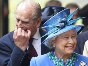 Елизавета II заказала частный просмотр фильма Бруно