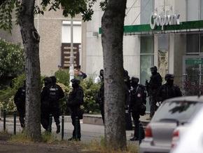 В Венгрии арестовали неизвестного, который попытался ограбить банк и захватил заложников
