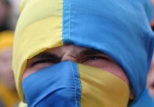Опрос: Украинцы относятся к россиянам лучше, чем россияне к украинцам