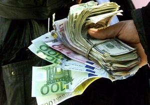Межбанк: Доллар снизился, евро растет
