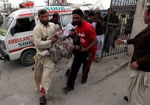 В Пакистане у представительства партии прогремел двойной теракт