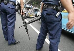 В 11 городах на Филиппинах мусульманские повстанцы отключили свет и напали на военных