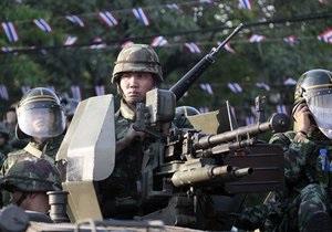 В Бангкоке военные открыли огонь по демонстрантам