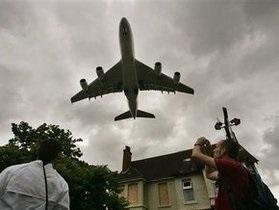 і: Украина повысит плату за воздушный транзит вопреки требованиям IATA
