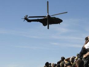 В Эквадоре во время военного парада упал боевой вертолет