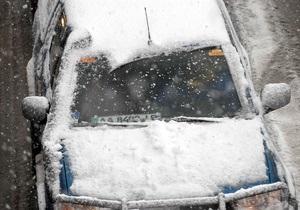 Непогода в Украине: из снежных заносов высвобождены 1,8 тыс. транспортных средств - снег - авто - пробки