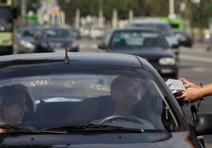 Российский милиционер составил четыре протокола на умирающего водителя
