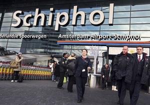 Главный аэропорт Амстердама частично эвакуировали после сообщения о бомбе