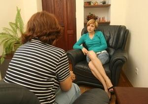 Корреспондент: Спасите ваши души. В услугах психотерапевта нуждаются почти 2 млн украинцев