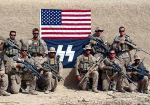 Морпехи США в Афганистане сфотографировались на фоне флага СС