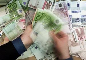 Евро стремительно падает на межбанке