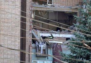новости Луганска - взрыв в доме - Спасатели продолжают разбирать завалы на месте взрыва в жилом доме в Луганске