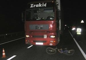 В Ровенской области серб на фуре сбил велосипедиста