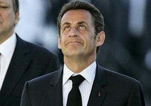 Николя Саркози отказался от услуг высоких охранников