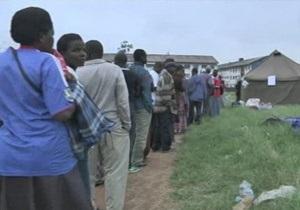 В Зимбабве начался референдум по новой конституции