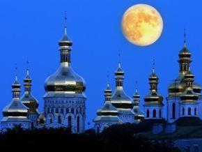 СМИ: В киевских храмах грипп лечат звоном колоколов