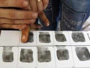 У выезжающих из США иностранцев будут снимать отпечатки пальцев