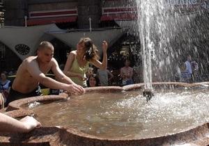 В семи киевских парках обустроят фонтаны и теннисные корты