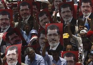Семья Мурси намерена подать в суд на военных