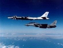 Российские бомбардировщики 10 часов патрулировали небо над Атлантикой