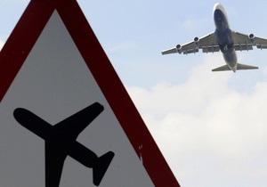 Неизвестный ослепил пилотов самолета при посадке в Домодедово