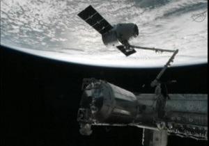 Высоту полета МКС скорректируют на два километра
