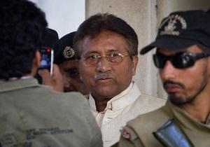 Экс-президент Пакистана предстал перед судом по делу об убийстве Беназир Бхутто
