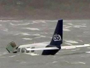 В Австралии пилот успешно посадил самолет на воду