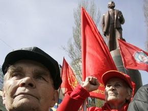 Ющенко: Это памятники не Ленину, это памятники системе